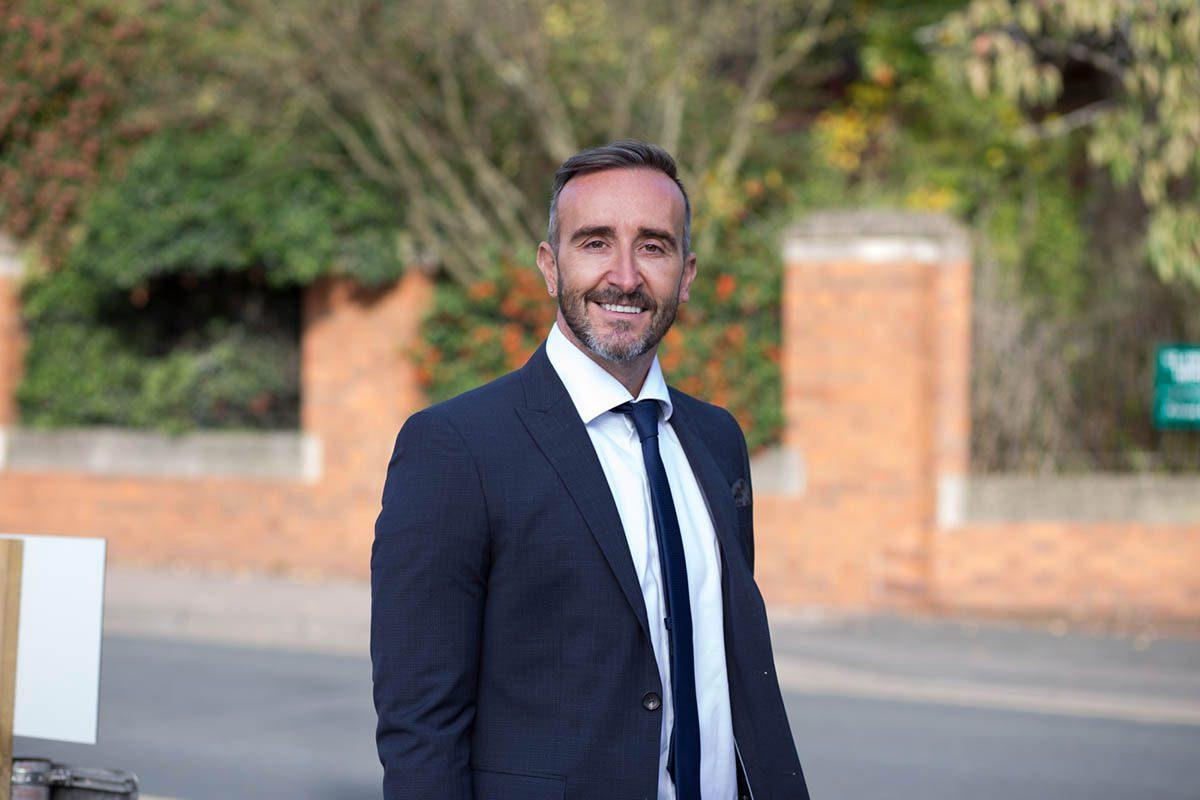 Author Simon Lancaster